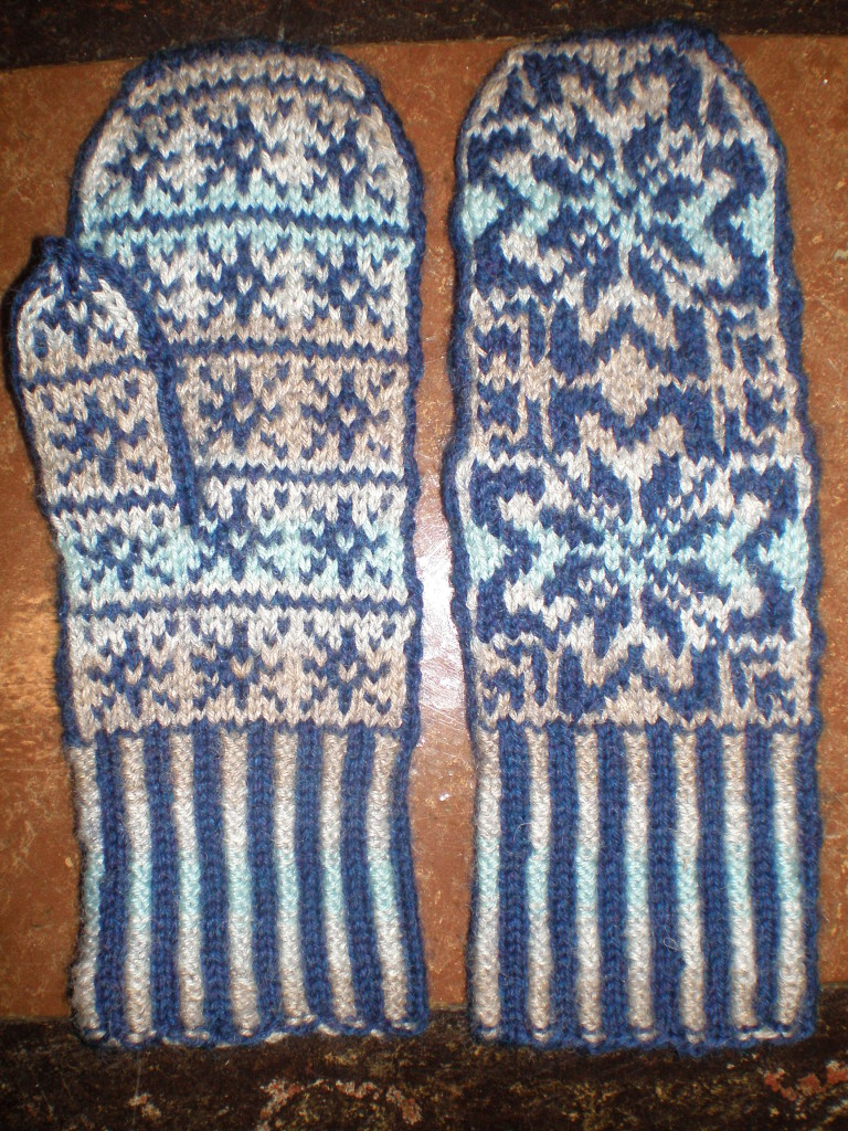 Monthly Craft: Winter Mittens